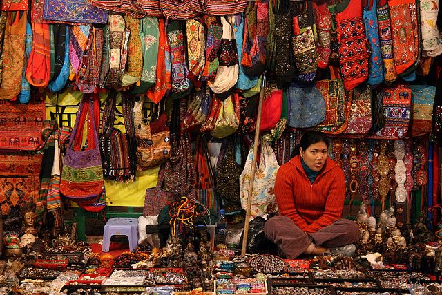 #HongKong Temple Street Night market bag vendor displays an immensely diverse inventory