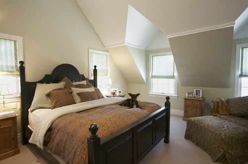 Vaulted Crown Moulding Design Pictures Remodel Decor And Ideas Sloped Ceiling Bedroom Bedroom Design Traditional Bedroom