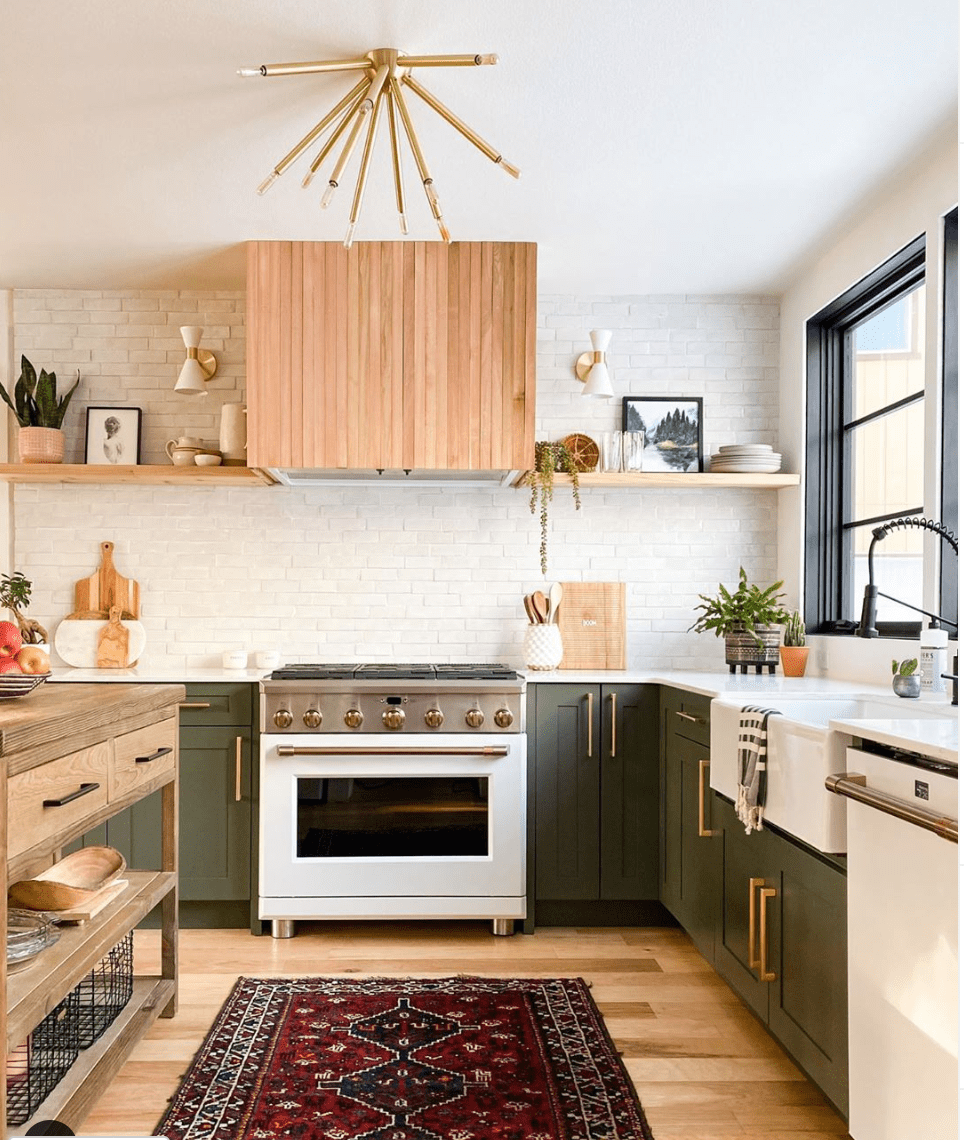 17 Gorgeous Green Kitchens That Inspire Little House Of Could Kitchen Inspirations Home Modern Mountain