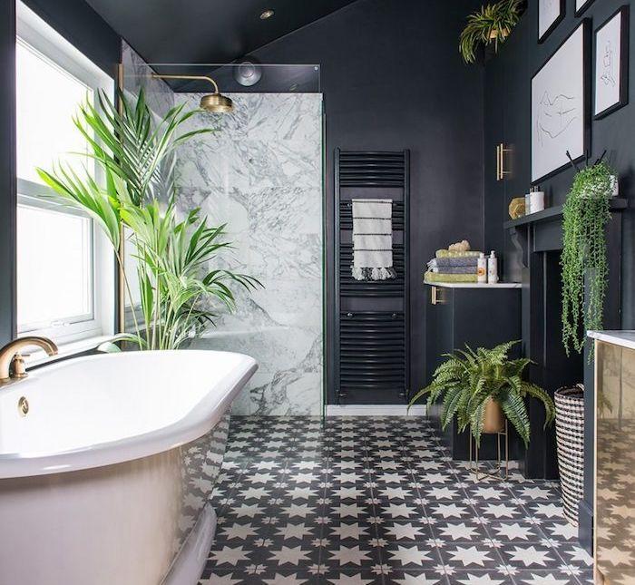 bain noire design avec carrelage noir