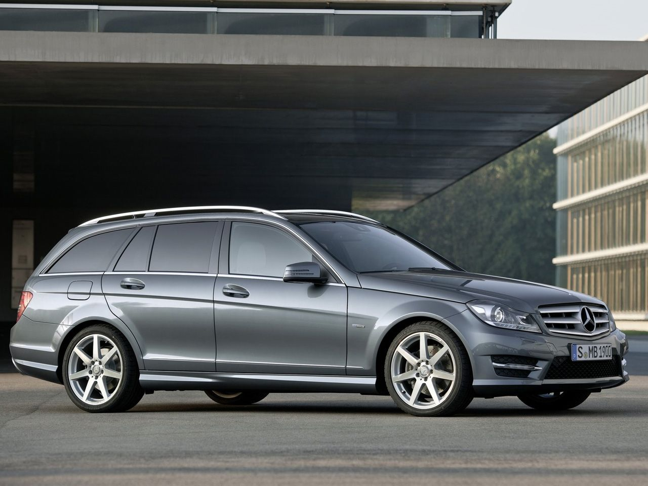 Mercedes c class estate bring it to the us