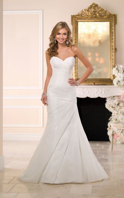 Organza Fit And Flare Corset Wedding Dress Stella York Wedding Dresses Fit And Flare Wedding Dress Wedding Dresses Sweetheart Neckline Stella York Wedding Dress