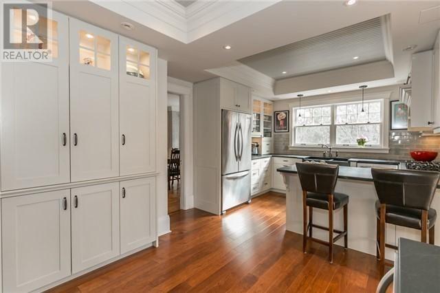 73 Kennedy St W Aurora Ontario L4g2l6, Kitchen Cabinets Aurora Ontario