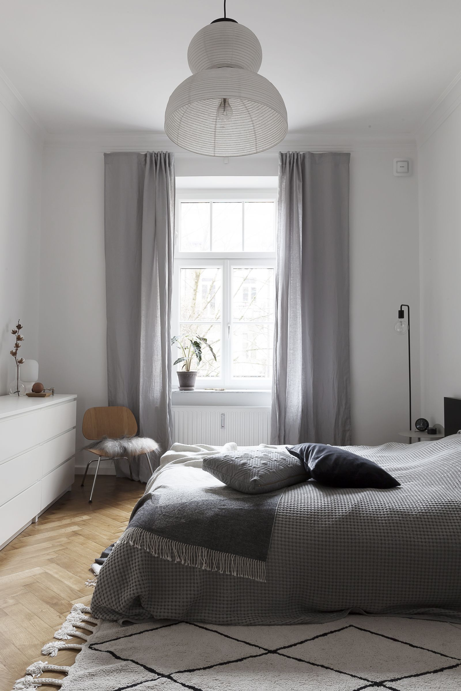 Vorhänge Schlafzimmer Skandinavisch Comfort With Bosch Smart Home Via Coco Lapine Design Blog