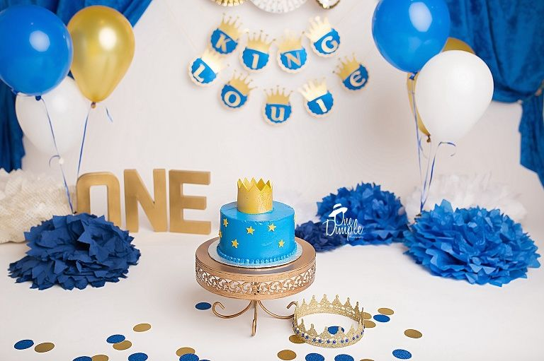 Fort Worth Tx Cake Smash Photographer Doing King Themed Cake Smash King Cake Cake Smash Baby Boy 1st Birthday Party