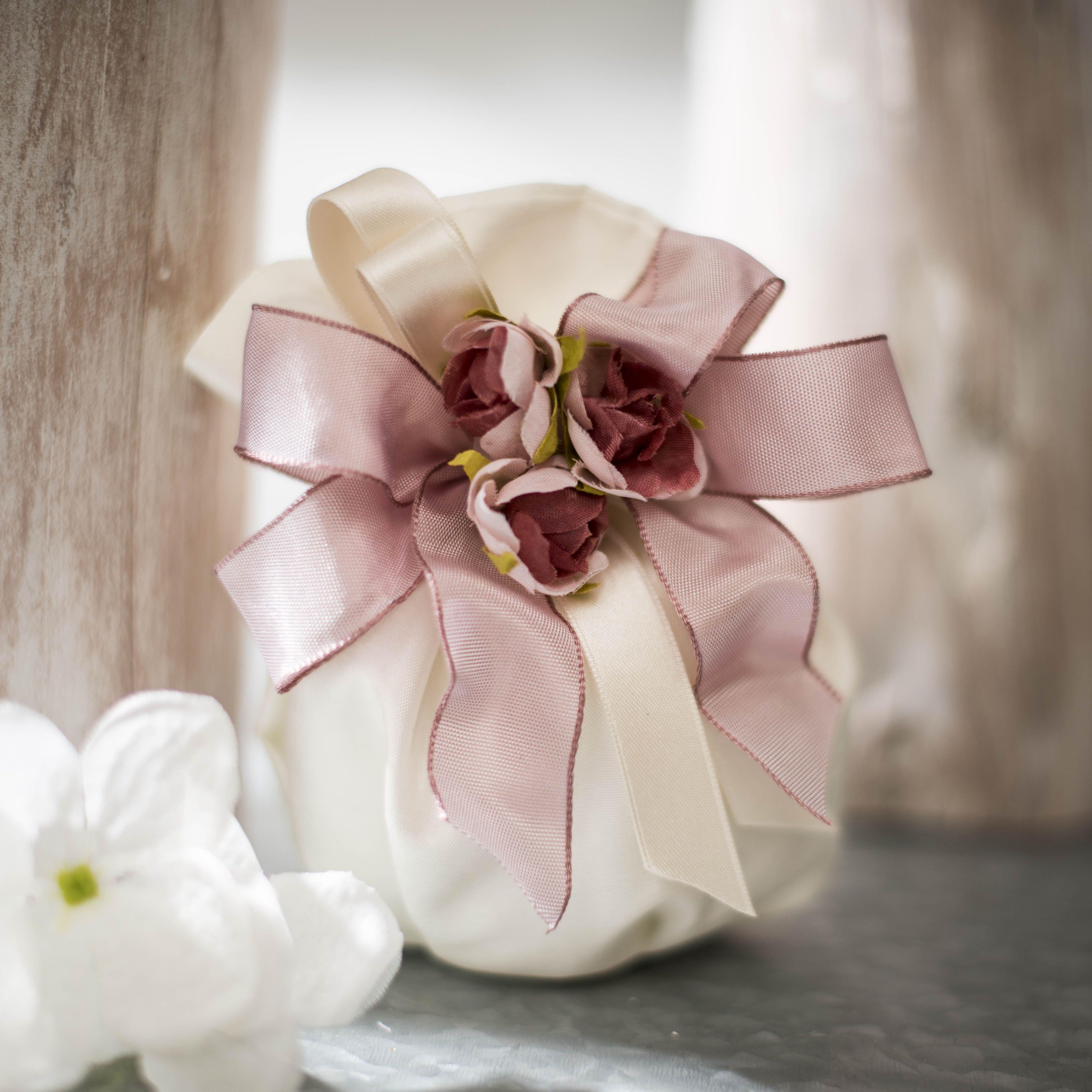 Sacchettino Porta Confetti Con Decorazione Rosa Antico Perfetto Per Matrimoni Romantici Bomboniere Italiane Bomboniere Uniche Regalo Di Nozze