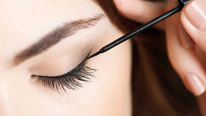 Sering Salah Saat Membuat Wing Liner Mata Eitss Nggak Perlu Bikin Lagi Gini Cara Benerinnya Eyeliner Mata Make Up Mata