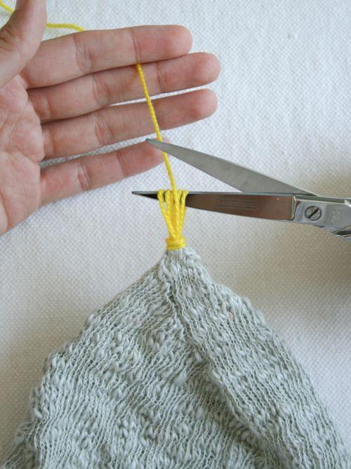 Tassel: Tiny Attached Tassel - Pletacia Návody: Dokončovacie techniky - Pletenie háčkovanie šitie Vyšívanie Remeslá vzory a nápady!