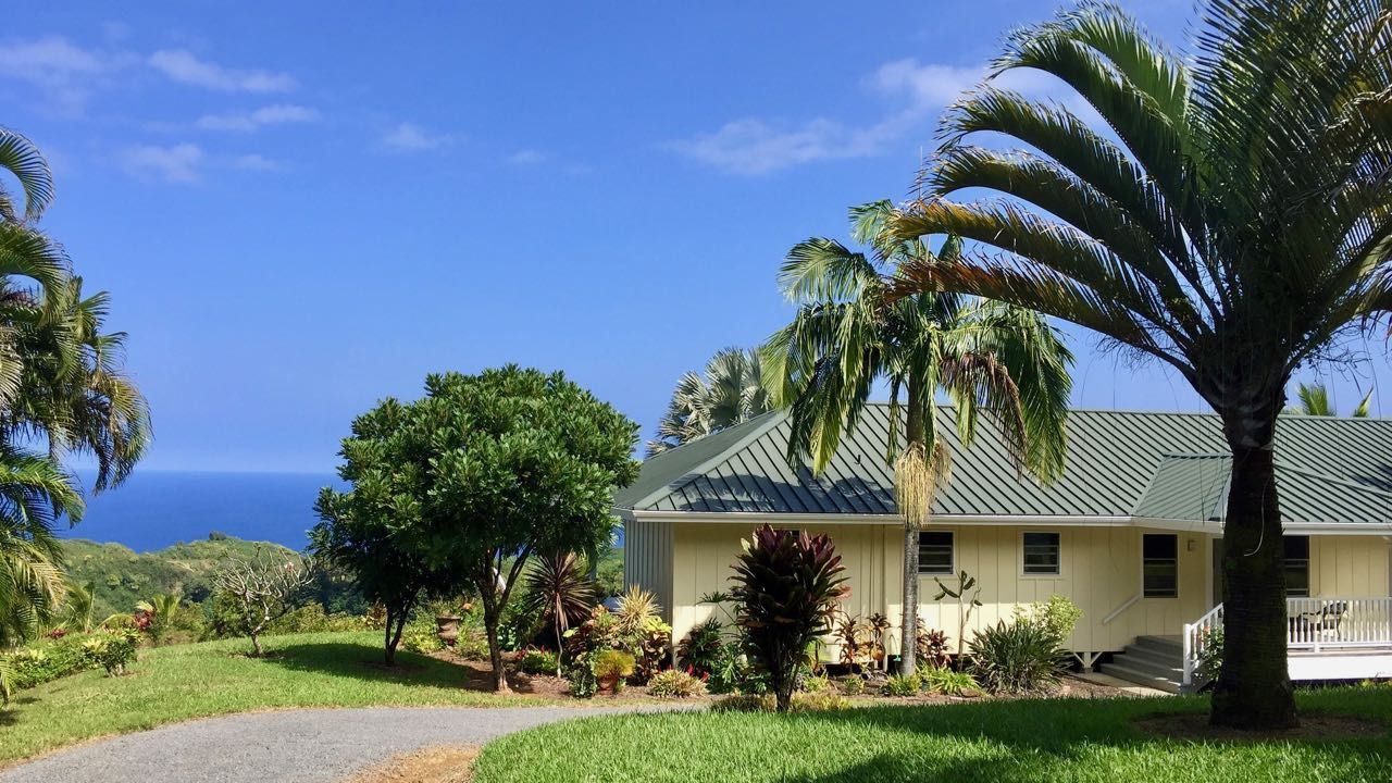 Homes And Land On Maui For Sale Idx Search Georgie Hunter R S With Images Maui Hawaii Life House Styles