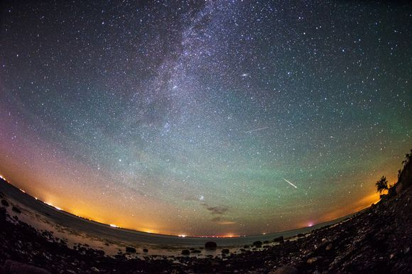 Perseid meteor showers is reflected every year in mid-August. This year, shooting stars can appear in a more spectacularly than ordinary.