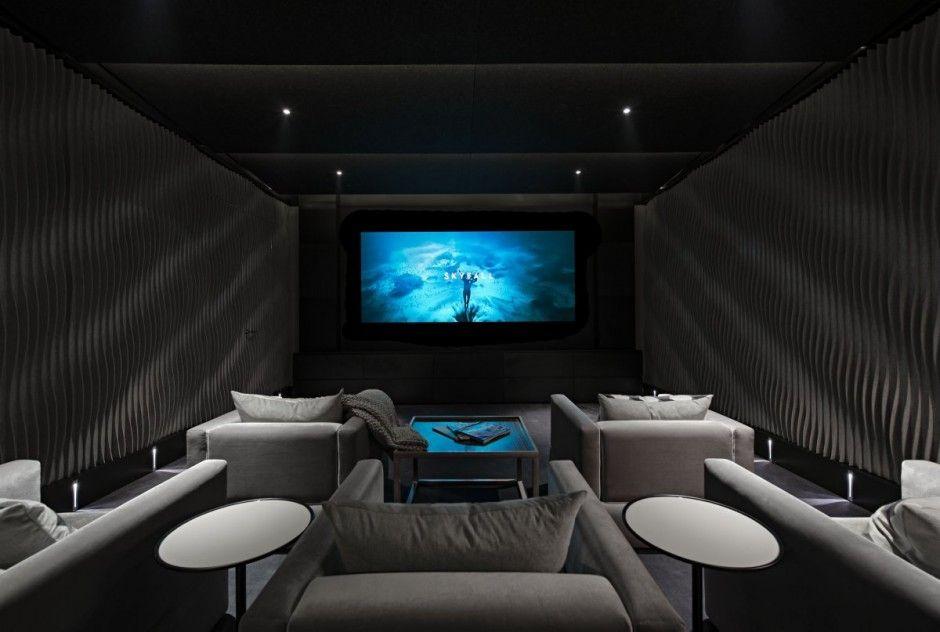 Une maison victorienne transform e en une luxueuse villa cin ma salle et s - Salle de cinema maison ...