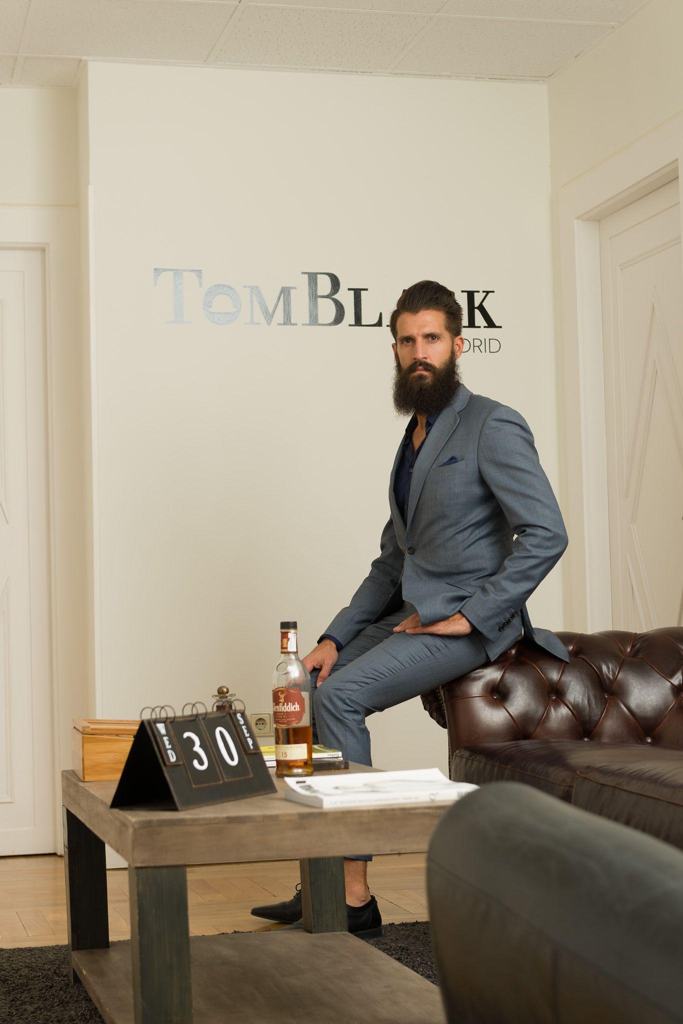 En Tom Black te diseñan esa prenda que tienes en la mente y no encuentras en ninguna tienda!