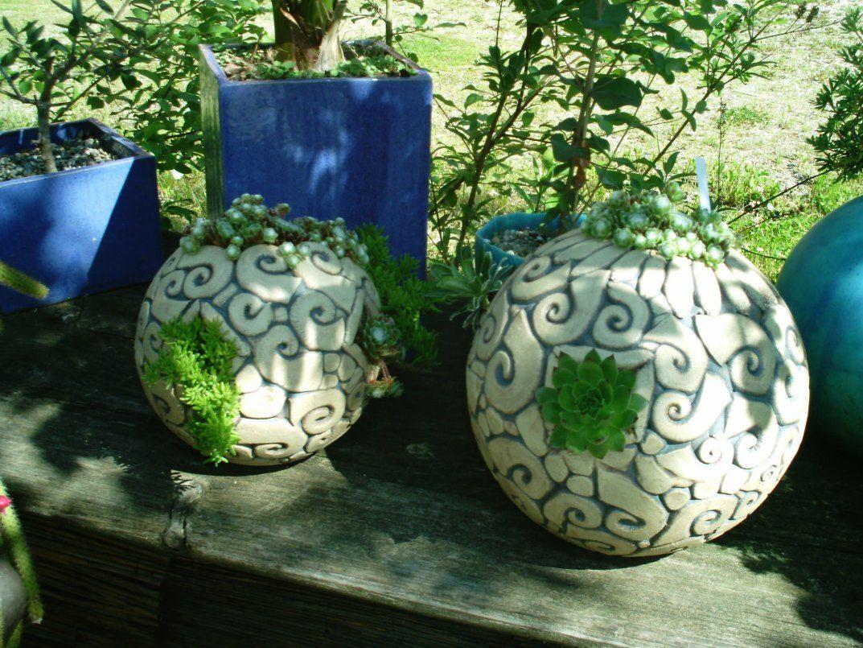 Dachwurz pflanzgef e keramik ton t pfern gartengef e for Gartenskulpturen aus ton