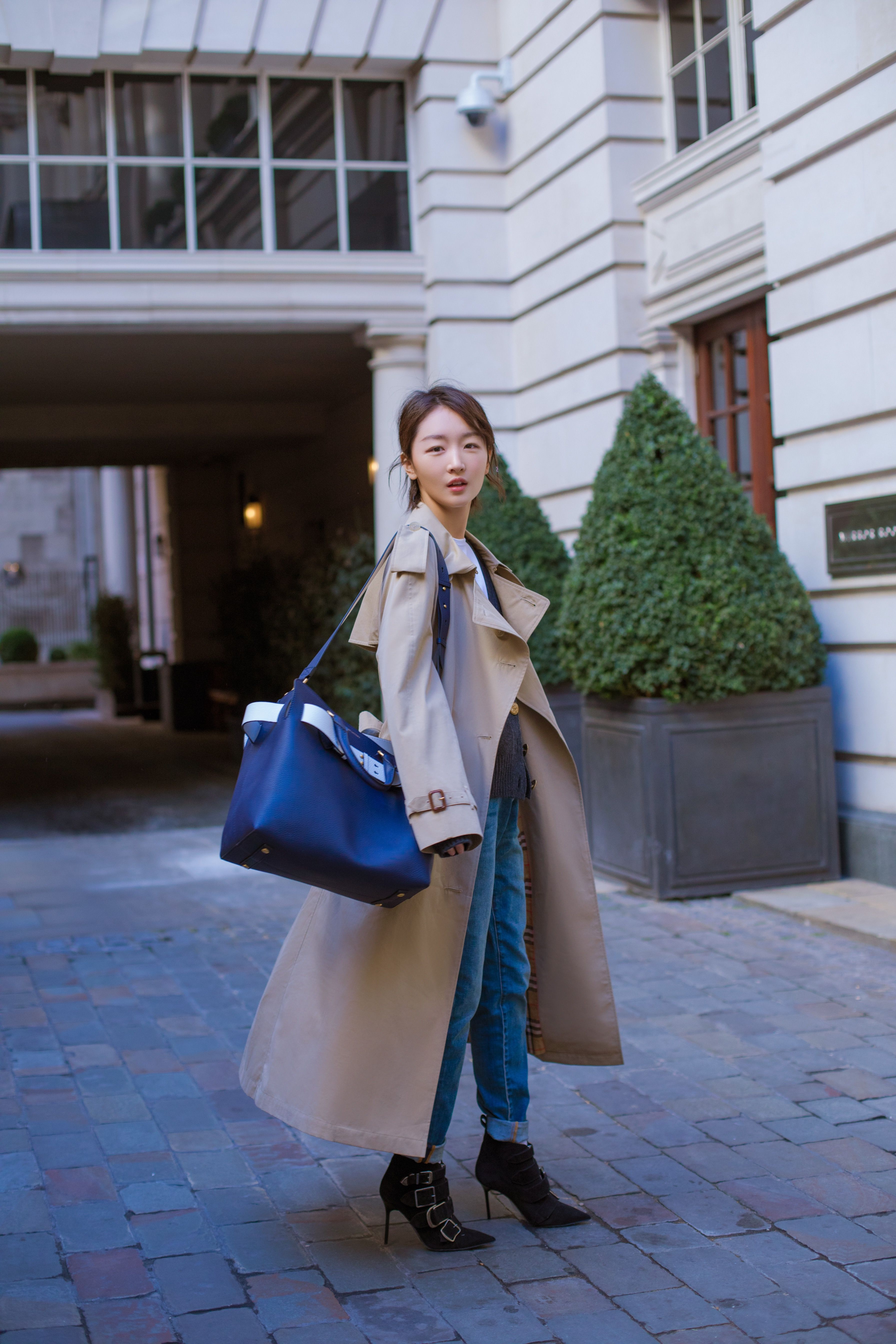 a7f27a34e4e61  ZhouDongyu styles a  Burberry tropical gabardine trench coat with   TheBeltBag in London