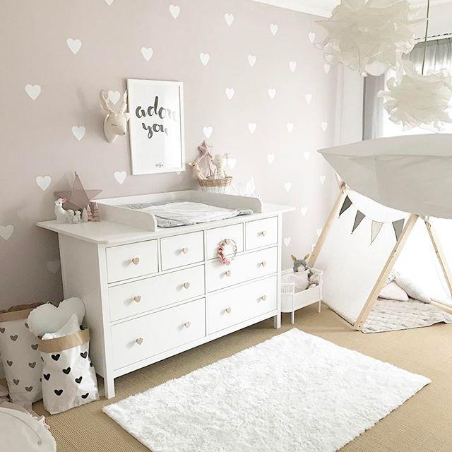 hier unsere kommode mit den neuen griffen von meingriff nochmal aus der anderen perspektive. Black Bedroom Furniture Sets. Home Design Ideas