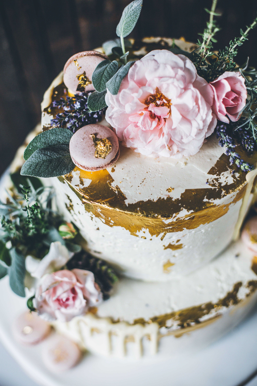 Echte Blumen Auf Der Hochzeitstorte Geht Das Hochzeitstorte