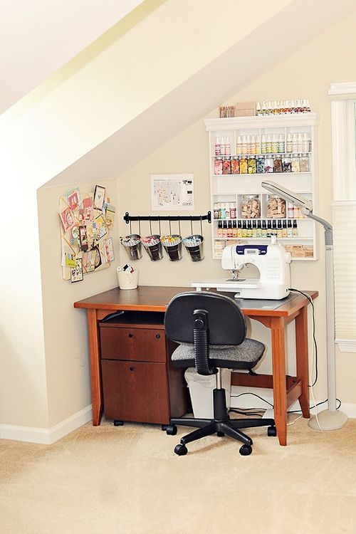When all you have is an alcove -- Love this sewing station!