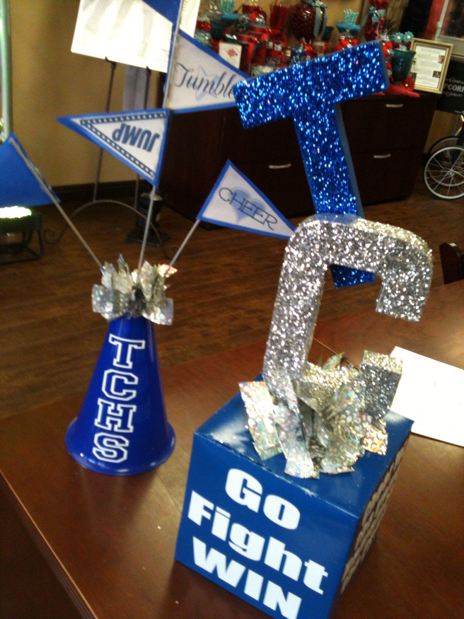 Cheerleading banquet centerpieces cheer pinterest for Cheerleading decorations