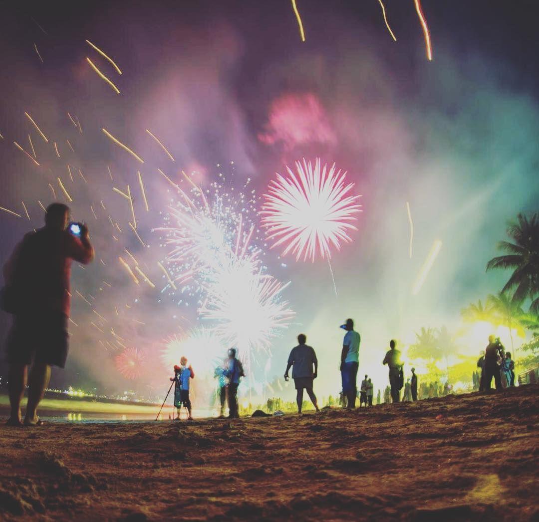 Świętować Nowy Rok na plaży w Phuket phuket thailand