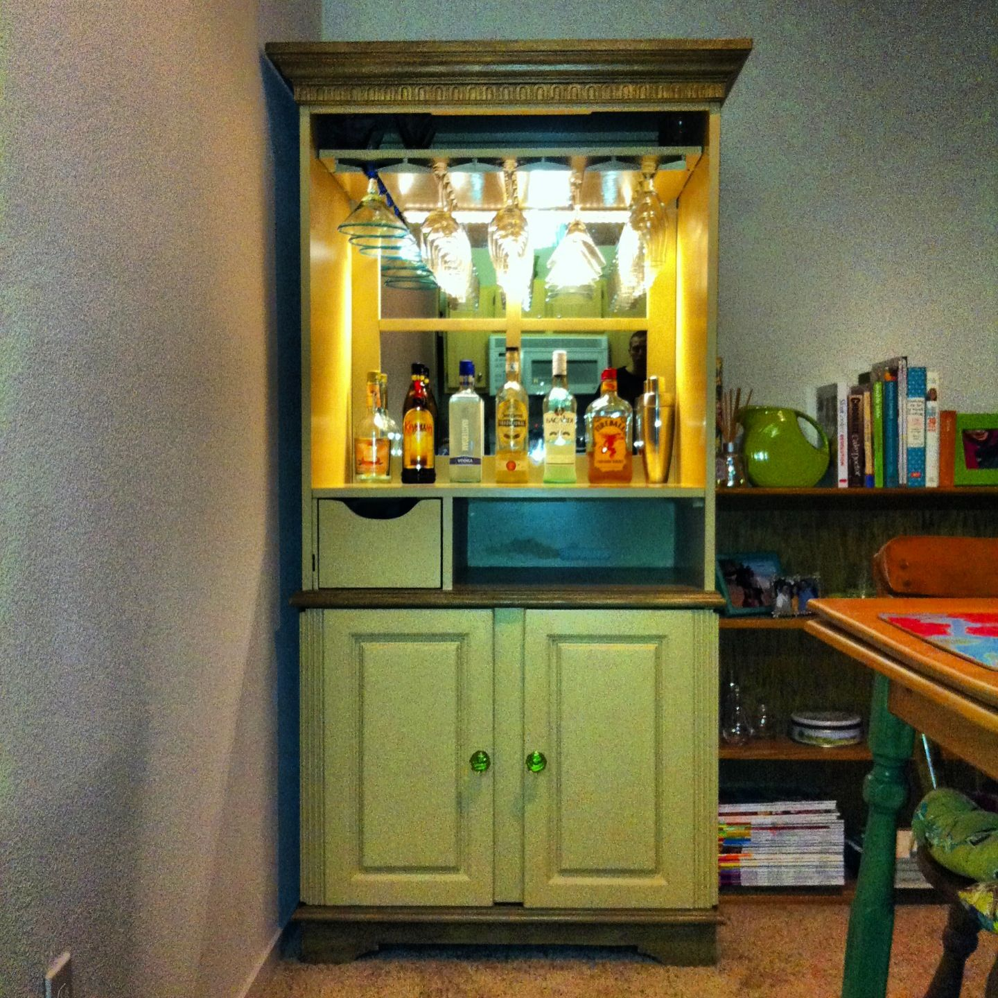 Repurposed Bar, From An Old TV Cabinet. | I Have One Of These Old