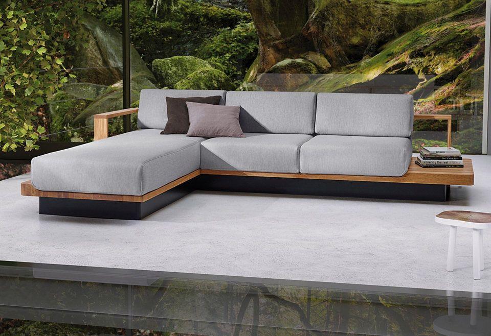 Ada Premium Polsterecke Hudson Mit Eleganten Massivholz Elementen Ecksofa Moderne Hausfassade Wohnzimmer Design