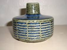 PALSHUS vase - Annelise and Per Linnemann-Schmidt - made in chamotte. H: 7 cm D: 8,5 cm. From 1950s.  #Palshus #Linnemann #Schmidt #chamotte #stoneware #ceramics #Danish #vase. SOLGT/SOLD.
