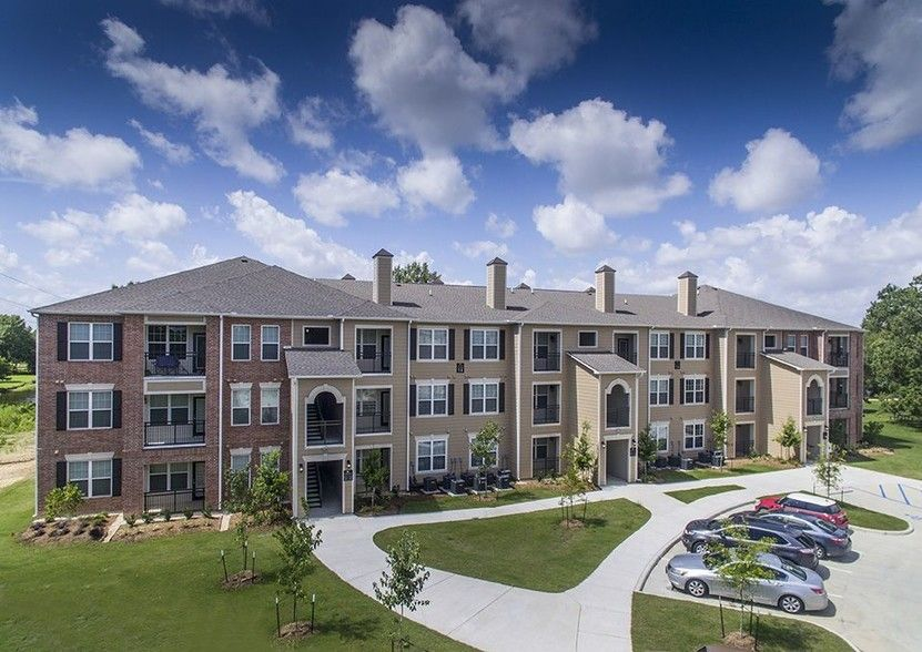 See All Available Apartments For Rent At Lakeside Villas In Baton Rouge La Lakeside Villas Has Rental Units Ranging From 580 113 Villa La Apartments Lakeside