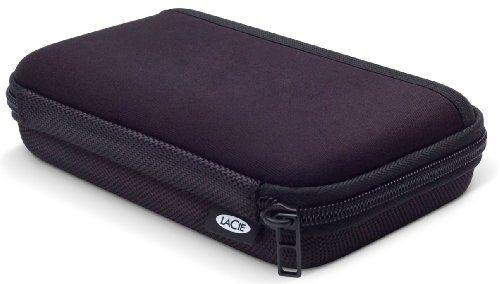 LaCie Cozy  Transporttasche  8,9 cm (3,5 Zoll)  Design by Sam Hecht  Schwarz  Die Taschenserie LaCie Cozy bietet eine hervorragende Möglichkeit für die Aufbewahrung und den Transport von Festplatten. Daten sind darin sicher geschützt. Die von Sam Hecht entworfene LaCie Cozy hat eine robuste...