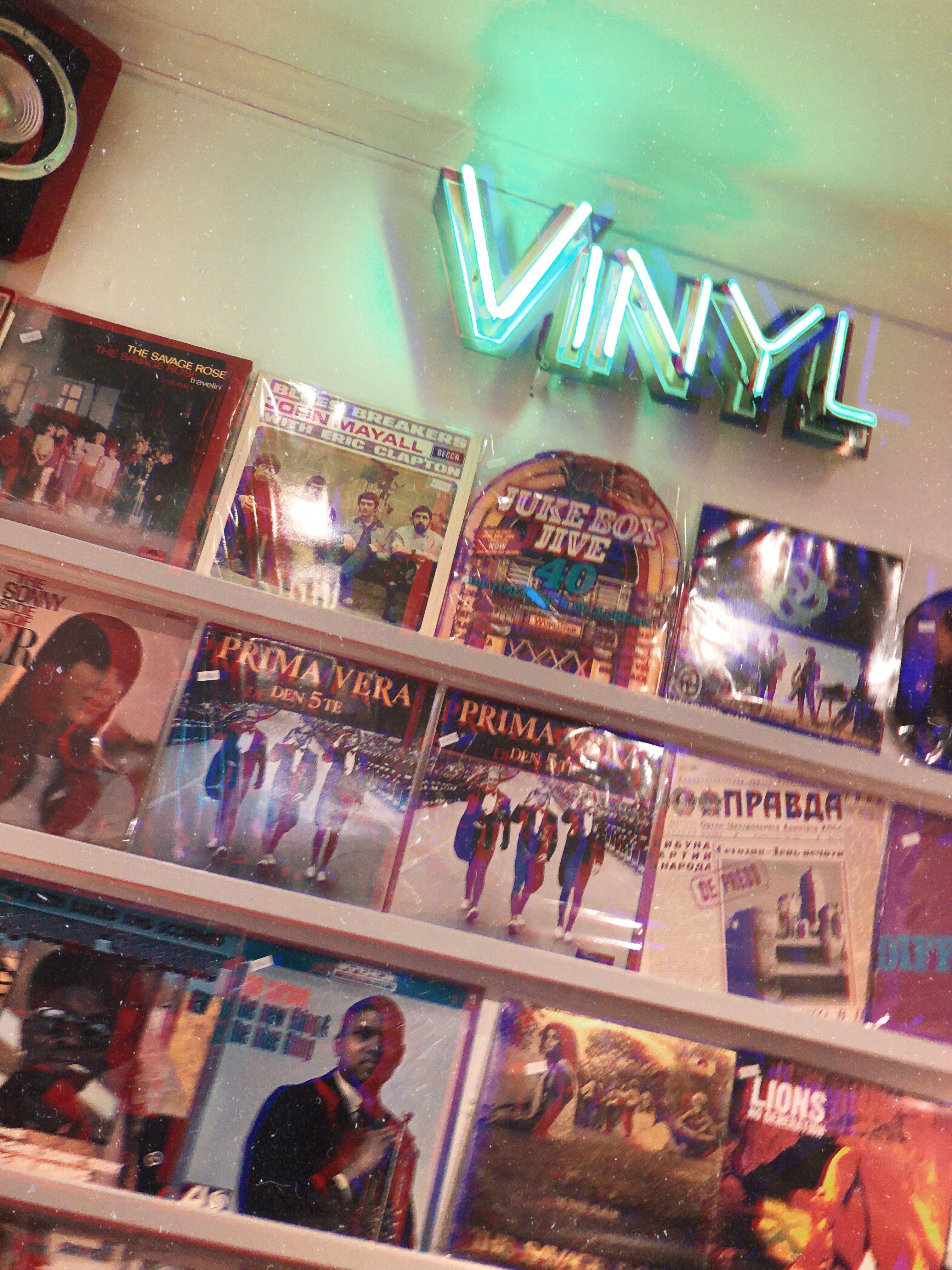 Vinyl Music Old School Inspo In 2020 Music Aesthetic Music Wallpaper Retro Music
