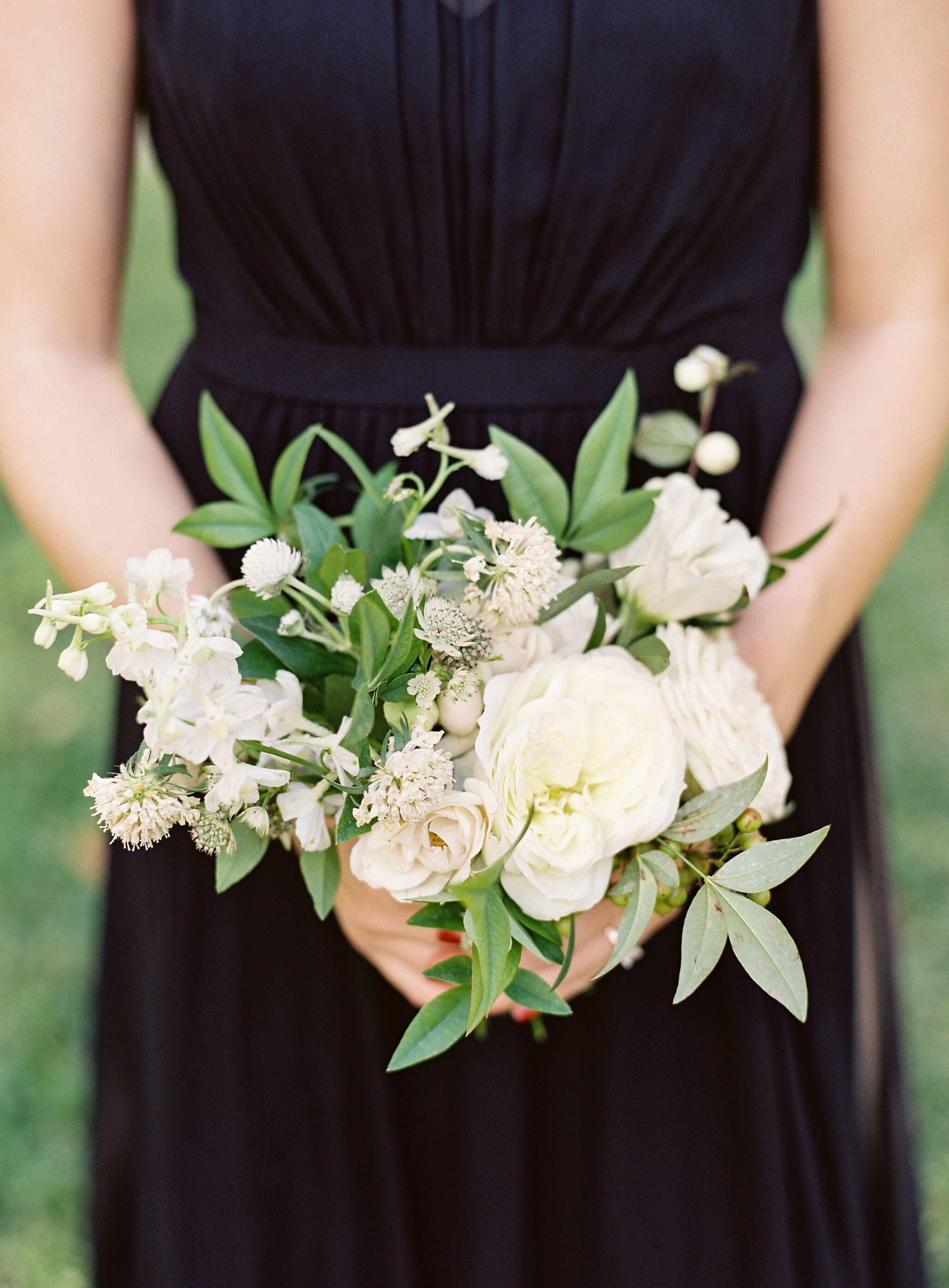 Fresh and Simple Bridesmaid Bouquet in 2020 Simple