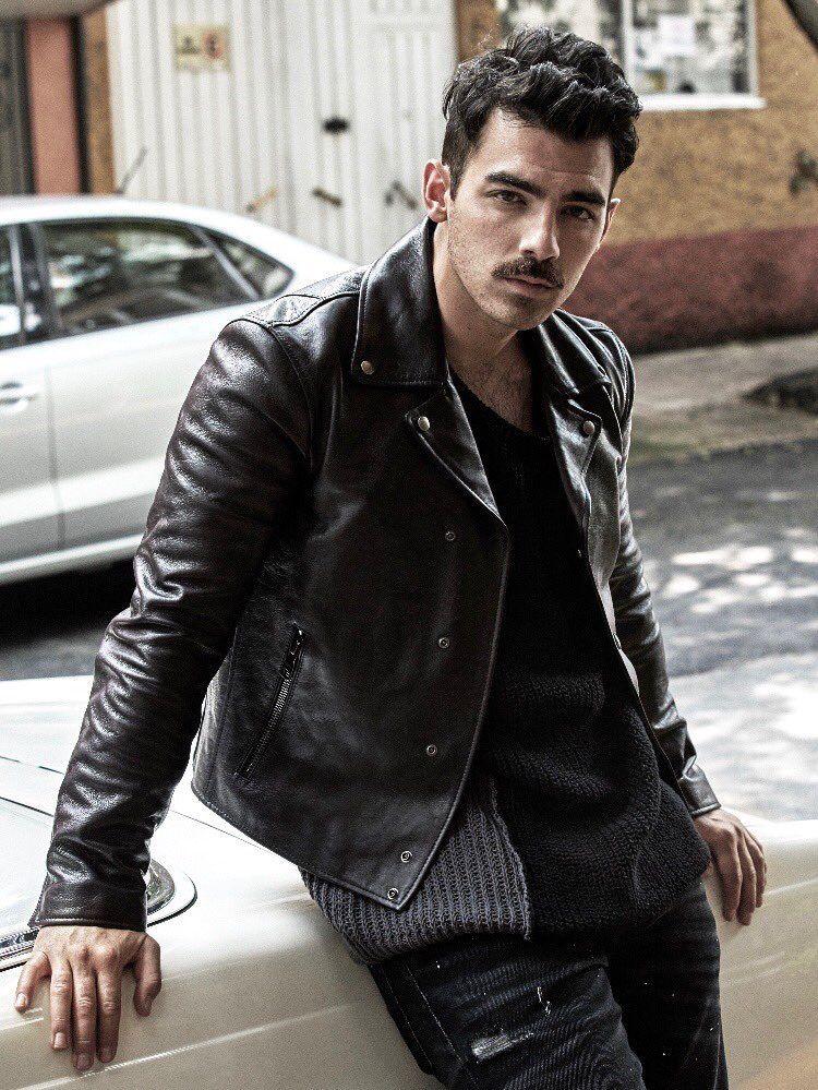 Z kim jest Joe Jonas