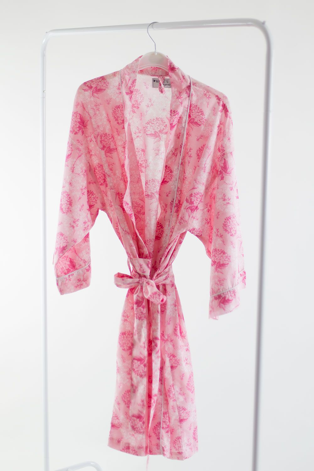 Bride Dressing Gown UK | Bride Robes and Personalised Wedding Gifts ...