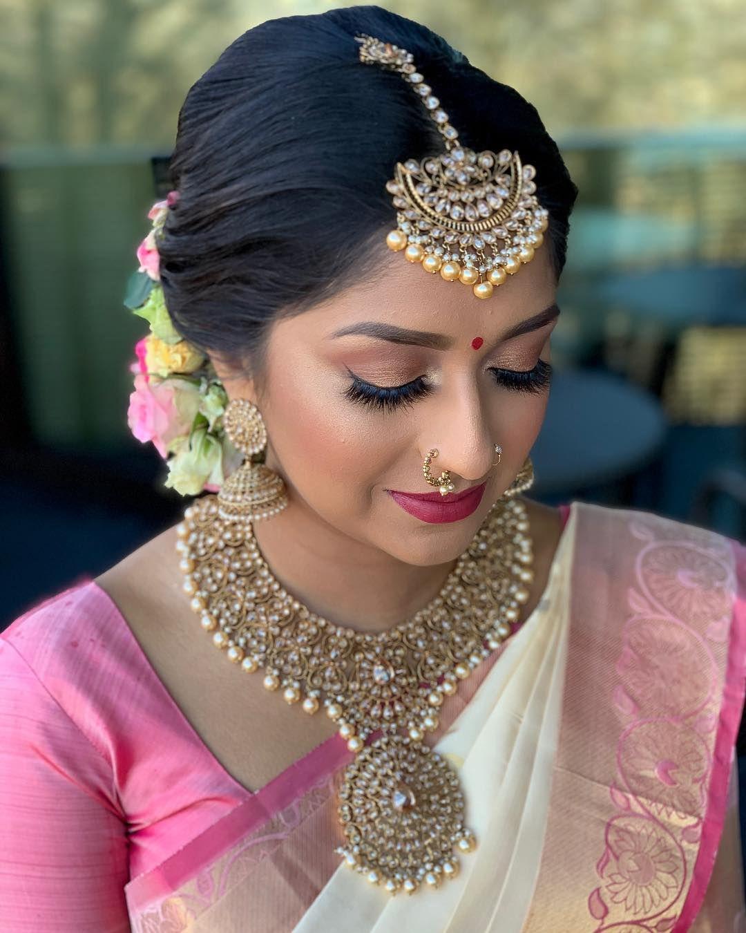 Friends Wedding Hairstyles Kerala: Muah @thiva_mua Bride Thivya @tva_cm #tamilbride