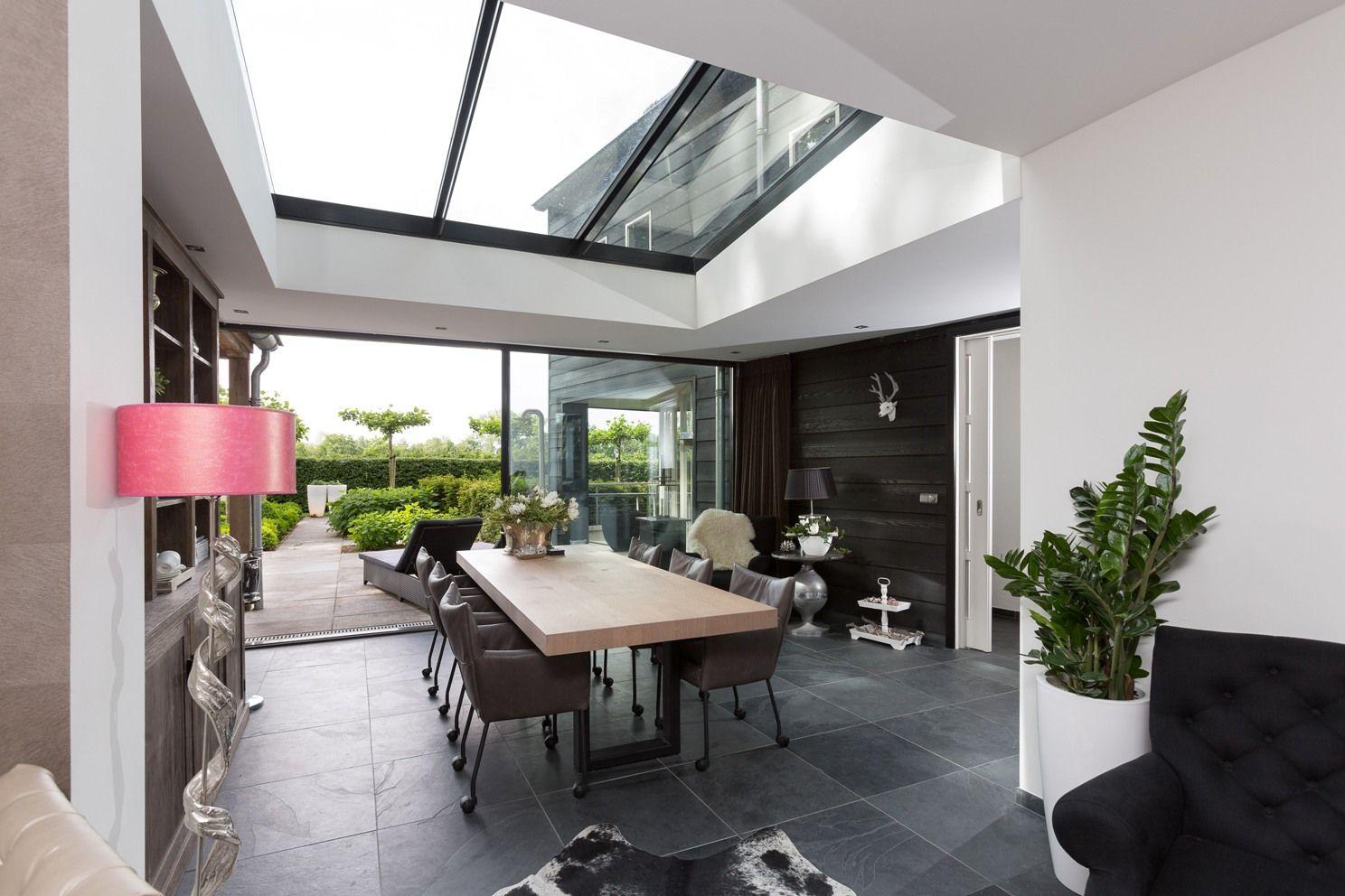 Prachtige #serre uitbouw met #lichtstraat en Minimal Windows. Veel ...