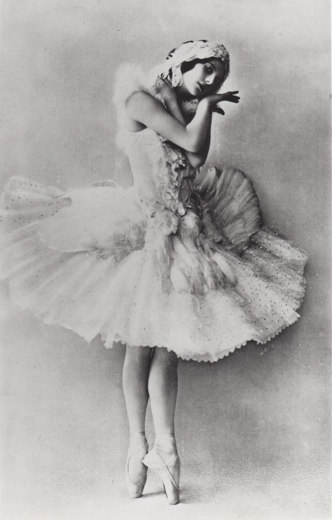 #Ballerina, #Anna #Pavlova entered the Imperial Ballet School at the age of 10. She worked very hard there, and on graduation began to perform at the Maryinsky Theatre, debuting on September 19, 1899.