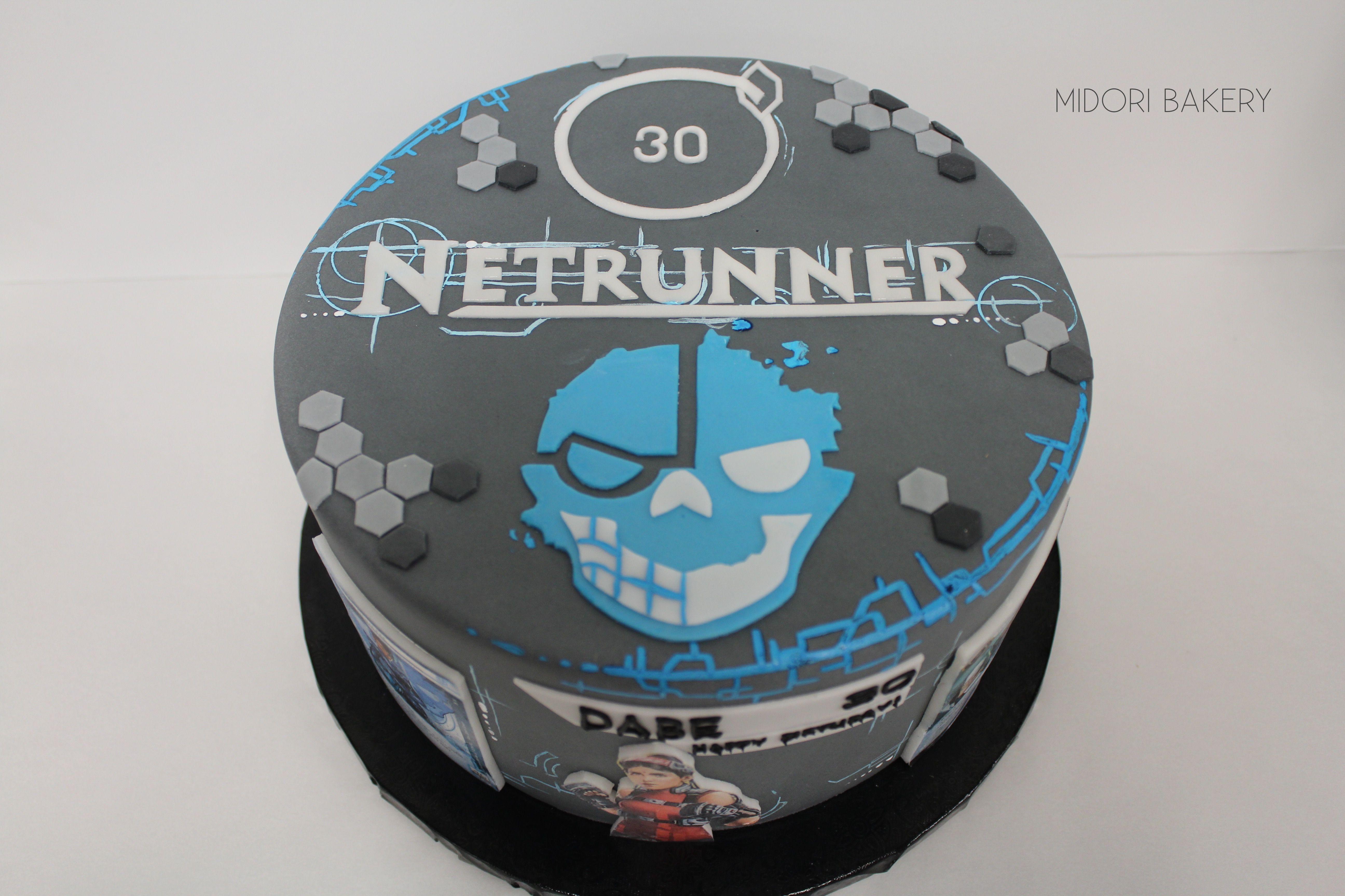 Netrunner themed cake by Midori Bakery