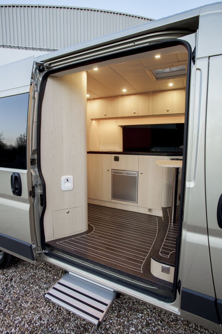 Innova Automotive Campers en Yachting – Oplevering Fiat Ducato (2015 ...