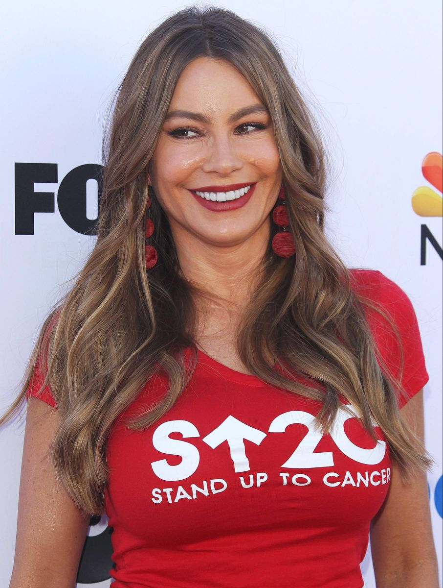Get the Look Sofia Vergara's Golden Globes Makeup