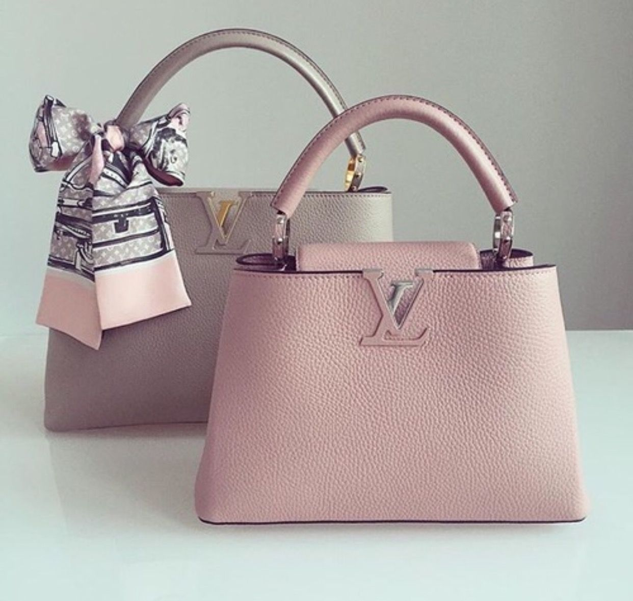 ♛ Pinterest: @niazesantos ♡ ♛ http://www.allthingsvogue.com/best-stylish- tote-bags/ | Vuitton bag, Spring handbags, Louis vuitton bag