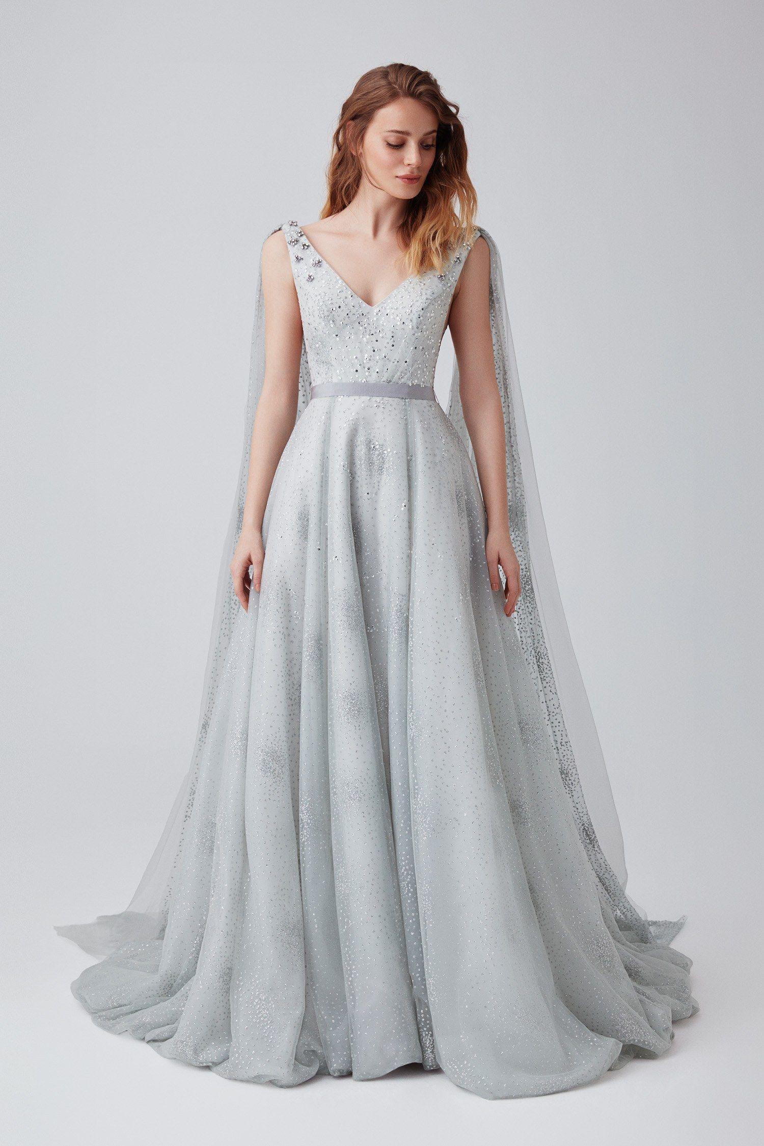 Soz Ve Nisani Farkli Gunlerde Ya Da Ayni Gun Icerisinde Planlayanlardan Biriyseniz Ve Giyeceginiz Nisan Elbisesi Ya Da Soz Ki The Dress Elbise Modelleri Elbise