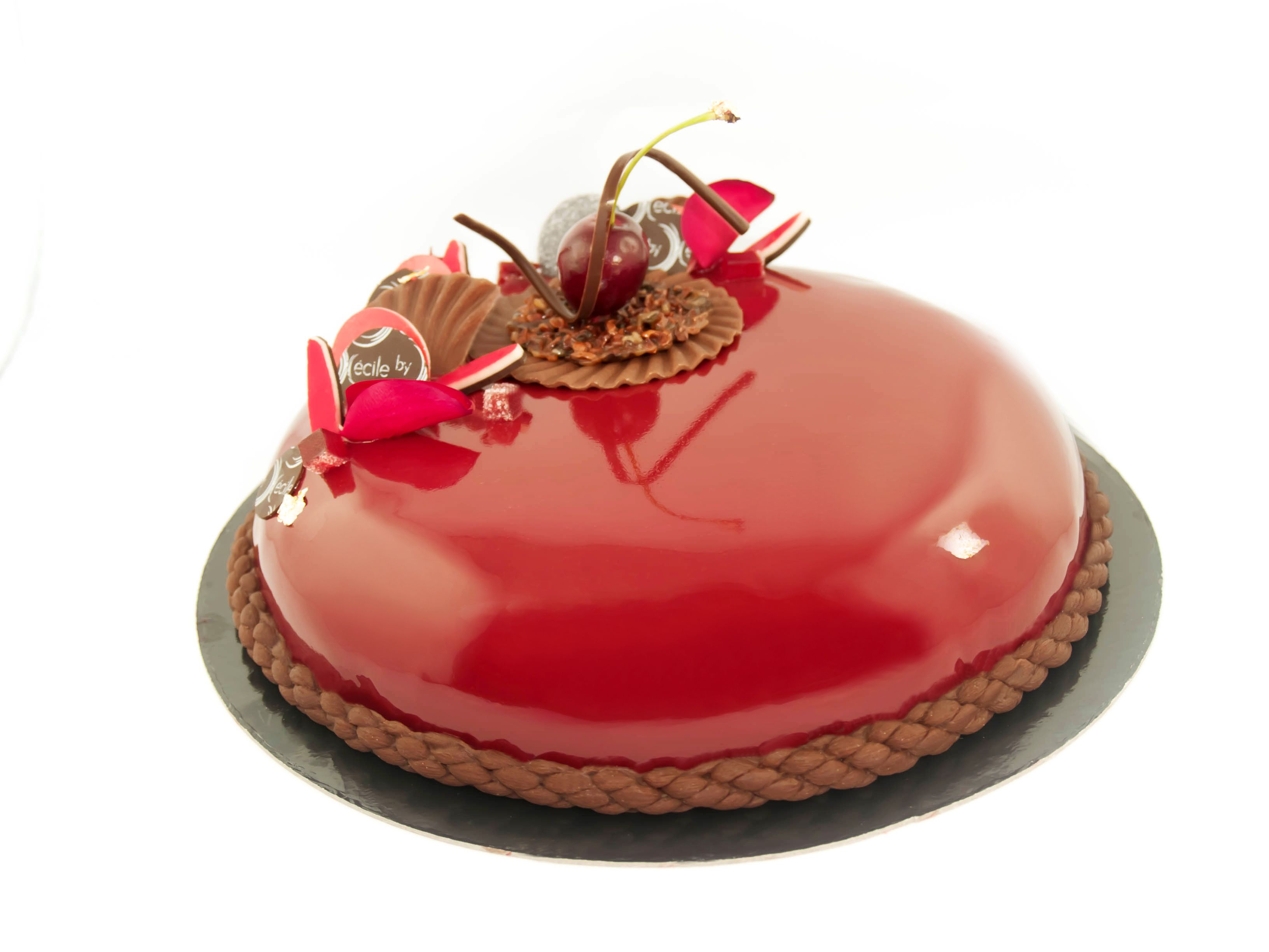 Entremets choco griottes croustillant cara crakine for The miroir noir