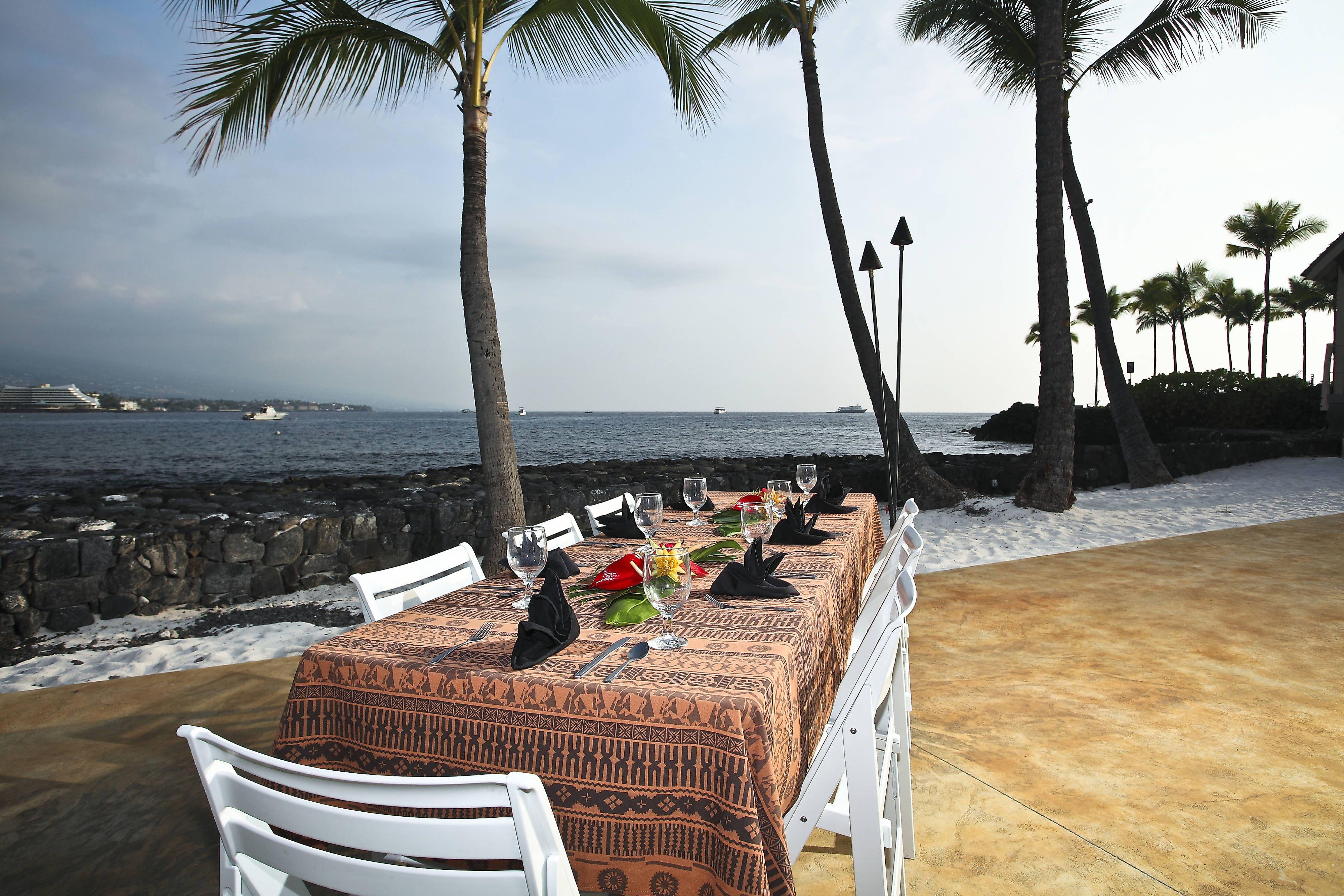 Courtyard King Kamehameha's Kona Beach Hotel Luau Grounds