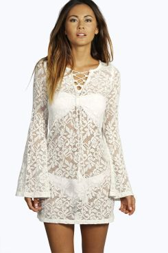 Boutique Eve Bell Sleeve Lace Up Beaach Dress