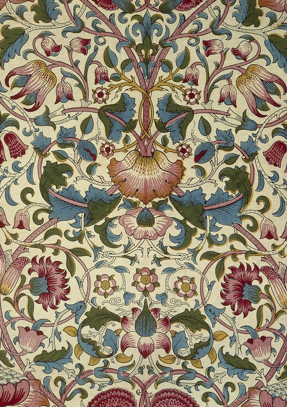 William Morris PreRaphaelite Designer Wallpaper