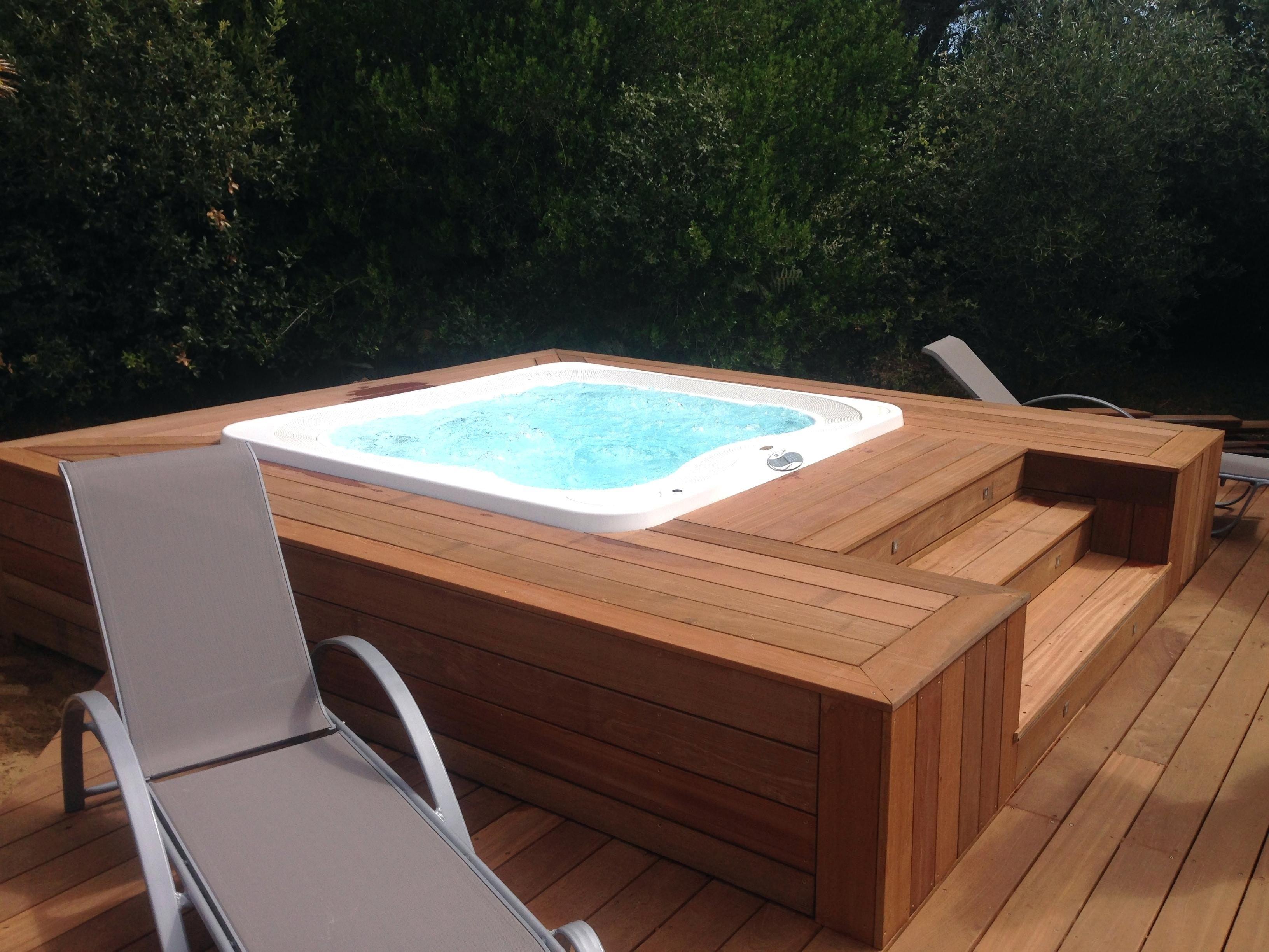 Abri Pour Jacuzzi Exterieur En Bois Cool Jacuzzi Extrieur Sur - Jacuzzi exterieur sur terrasse