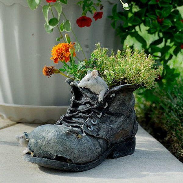 blumen stiefel ideen pflanzbehälter garten mauschen | pflanzen, Garten ideen