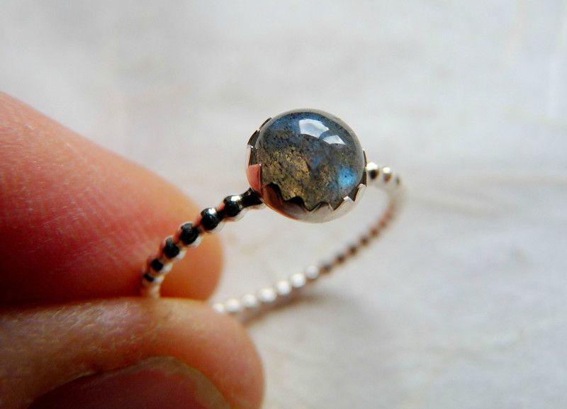 Ringen - Labradoriiet ring, stapelring - Een uniek product van wiredesignjewelry op DaWanda