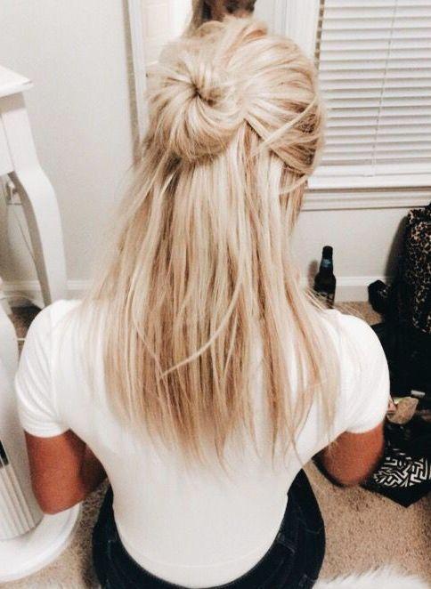 Easy Hairdo Messy Bun Half Updo Blonf Medium Hair Hairstyles To Try Straight Hair Cool Blonde Hair Hair Styles Medium Hair Styles