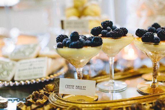 Great Gatsby wedding dessert #Gatsbywedding #weddingdessert #desserttable #dessertbar #vintage