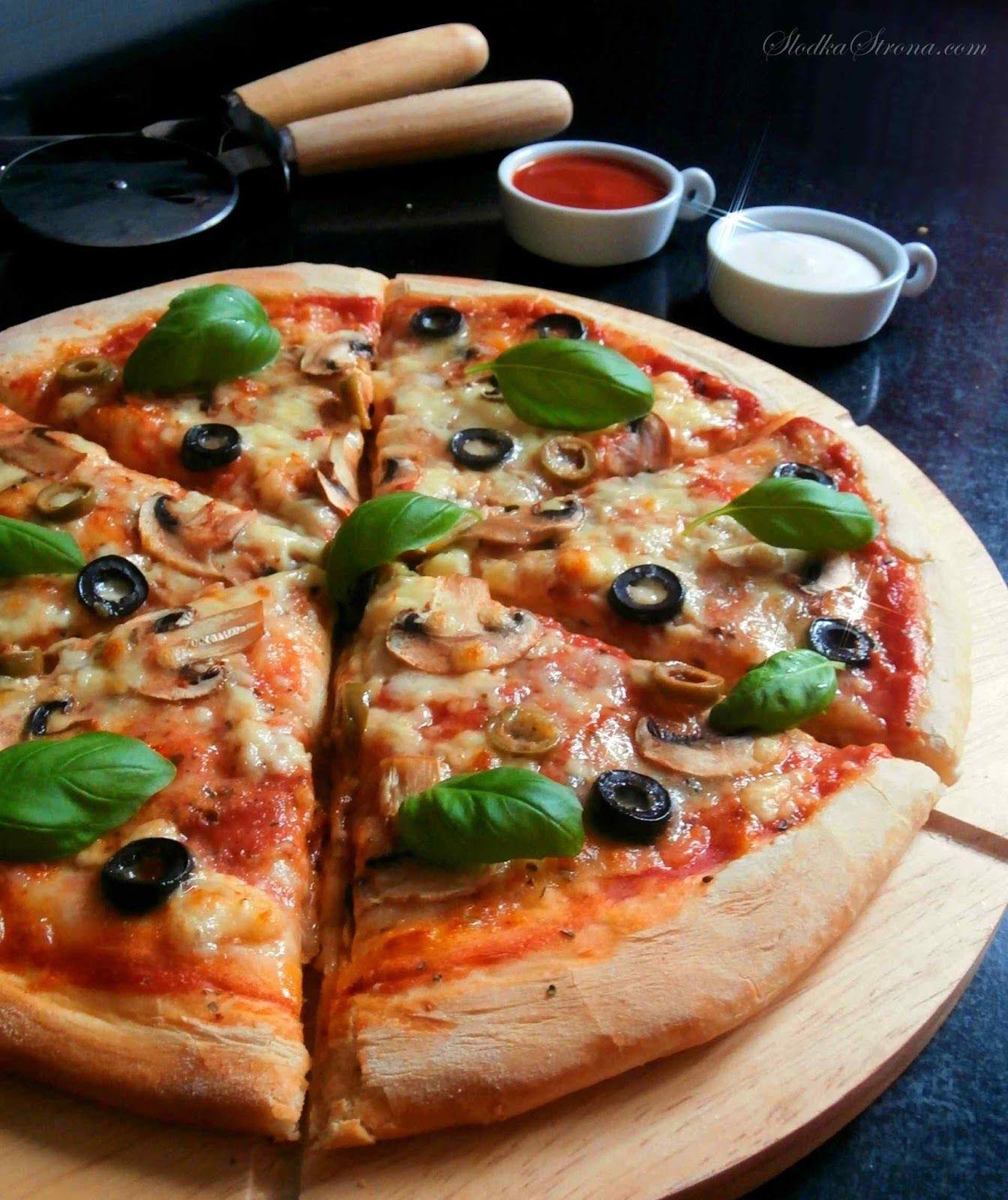 Najlepsza Domowa Pizza Przepis Slodka Strona Healthy Recipes Easy Snacks Pizza Recipes Homemade Pizza Recipes